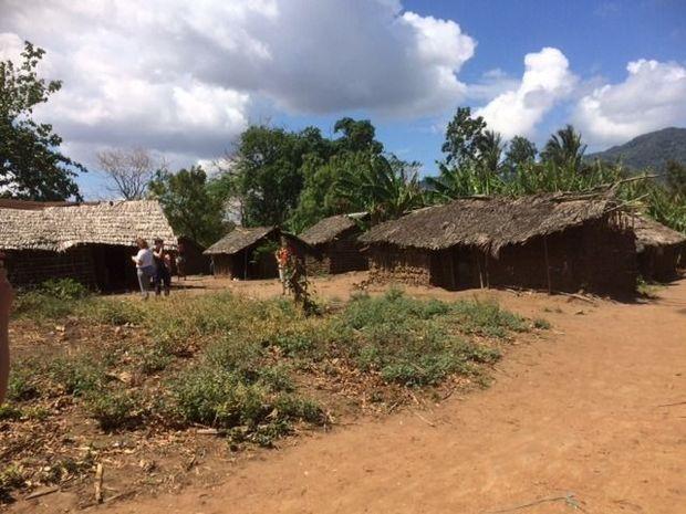 We halen de kinderen op in erg afgelegen dorpen.